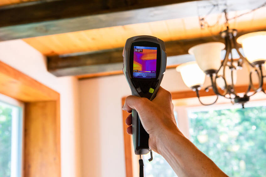 Bowling Green Home Inspector Using Infrared Technology to Inspect a Property